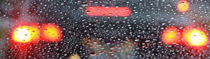 Deszcz i burze będą utrudniać jazdę