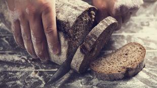 Bezglutenowy chleb. Co ma w środku i co daje?