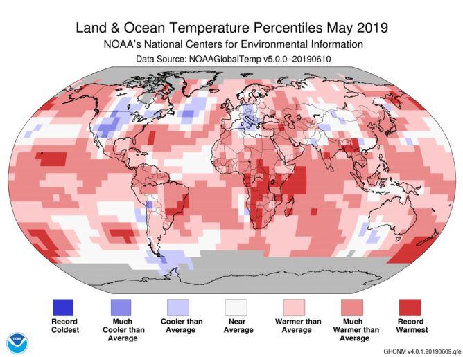 Odchylenie od średniej temperatury w maju 2019 roku (NOAA)
