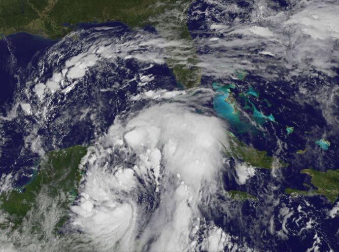 Nate na zdjęciu satelitarnym (NOAA)