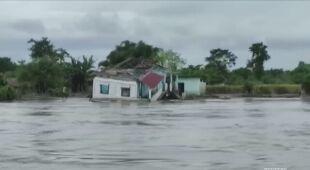 Monsunowe deszcze nawiedzają Indie